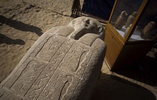 مصر: 2000سال پرانا فرعونی قبرستان دریافت