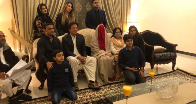 بریکنگ نیوز: عمران خان نے تیسری شادی کر لی