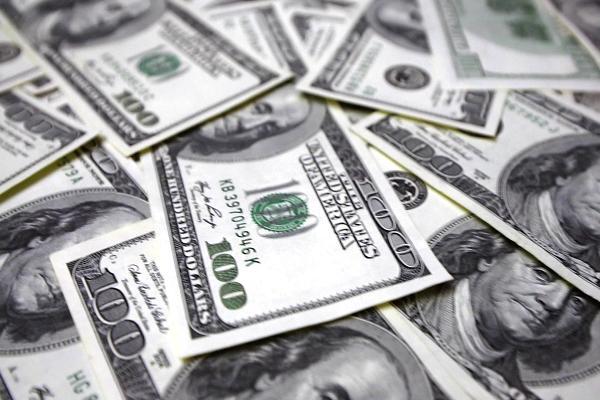ڈالر کو لگ گئے پر، ایک ہی دن میں 114 پر پہنچ گیا