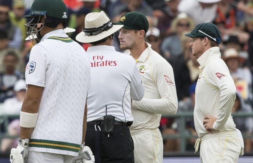 دھوکے باز آسٹریلوی کھلاڑی، کیمرے کی آنکھ نے بال ٹیمپرنگ کرتے پکڑ لیا