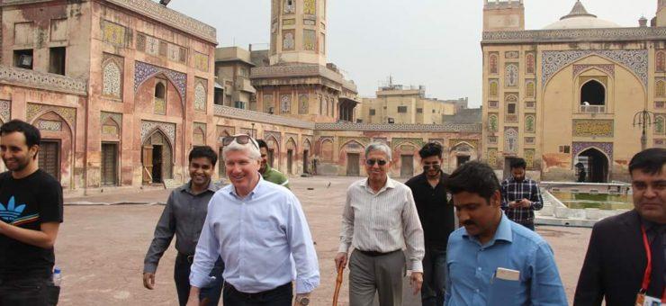 پی ایس ایل: لاہور کے دورہ پر آئے آفیشلز کی اندرون شہر کی سیر