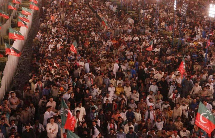 پی ٹی آئی کا آج مینار پاکستان میں تخت لاہور کیلئے طبل جنگ