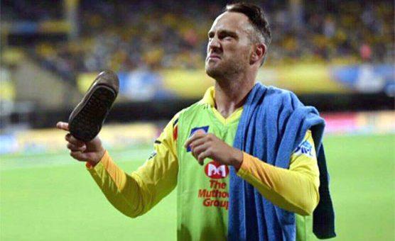 آئی پی ایل: جنوبی افریقی کھلاڑی فاف ڈوپلیسی کو جوتا پڑ گیا