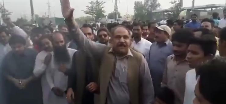 مسلم لیگ ن کے ورکروں کی چیف جسٹس اور آرمی چیف کو ننگی گالیاں، وڈیو وائرل