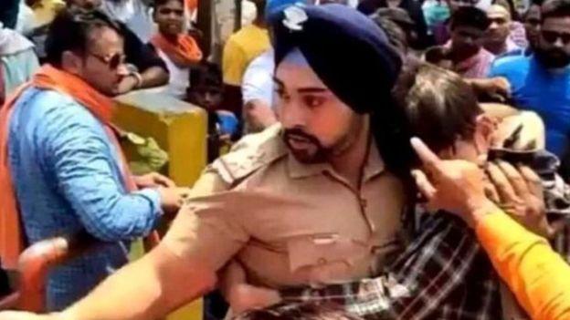 بھارت: مسلمان کی جان بچانے والے سکھ کی جان خطرے میں