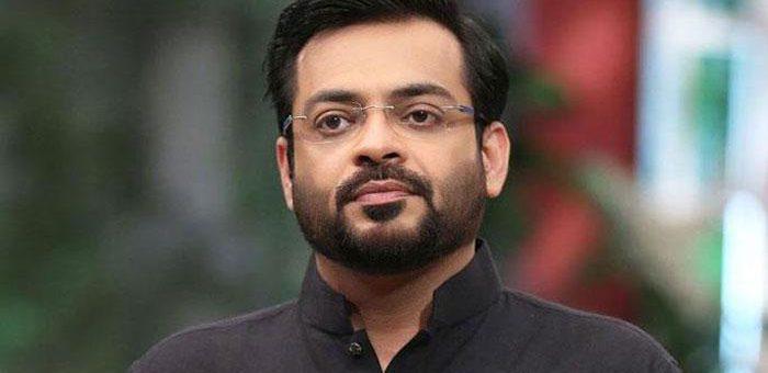 ڈاکٹر عامر کی بے عزتی، عمران خان نے دھکا دے دیا، ویڈیو وائرل