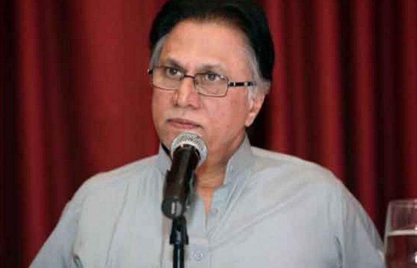 نواز شریف کے ہوتے اس ملک کو کسی دشمن کی ضرورت نہیں: حسن نثار