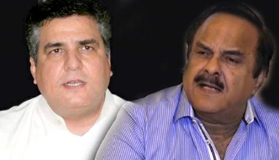 بریکنگ: نعیم الحق نے ن لیگ کے دانیال عزیز کو لائیو پروگرام میں تھپڑ جڑ دیا