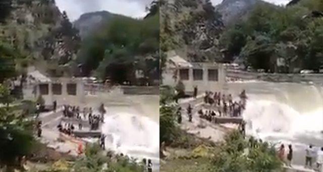 وادی نیلم میں پل گرنے کی خوفناک ویڈیو منظر پر، ویڈیو دیکھیں