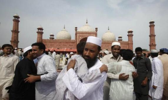 عید مبارک! ملک بھر میں میٹھی عید جوش و جذبے کیساتھ منائی جا رہی ہے