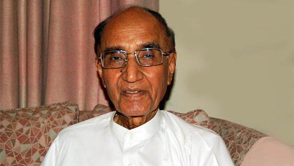 مزاح نگار اور ادیب مشتاق احمد یوسفی 94 برس کی عمر میں انتقال کر گئے
