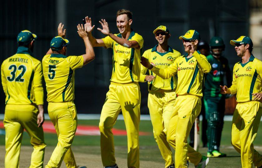 تین ملکی ٹورنامنٹ: آسٹریلیا نے پاکستان کو 9 وکٹوں سے روند ڈالا