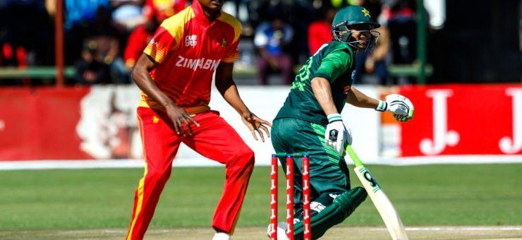 تین ملکی ٹورنامنٹ: پاکستان نے زمبابوے کو 7 وکٹوں سے شکست دے دی