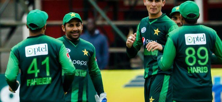 تین ملکی ٹورنامنٹ: پاکستان آسٹریلیا کے خلاف 45 رنز سے فتحیاب