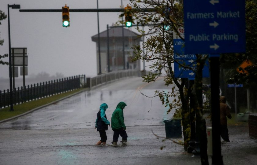 امریکہ سمندری طوفان کی زد میں، لاکھوں افراد بے گھر، کئی ہلاک
