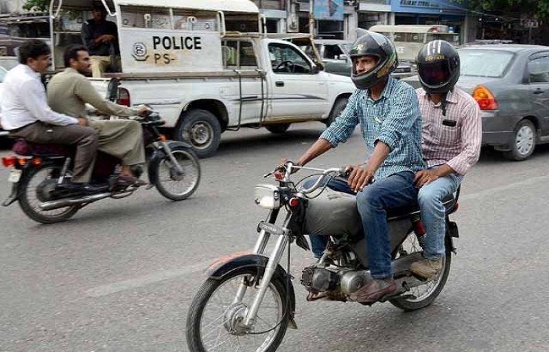 کراچی سمیت پورے سندھ میں ڈبل سواری پر پابندی