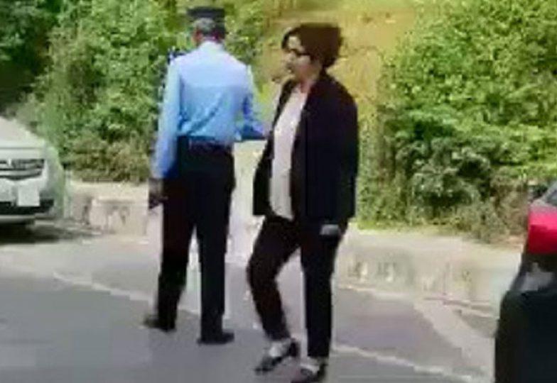 پولیس کو دھمکیاں دینے والی بددماغ خاتون گرفتار، ریمانڈ پر پولیس کے حوالے