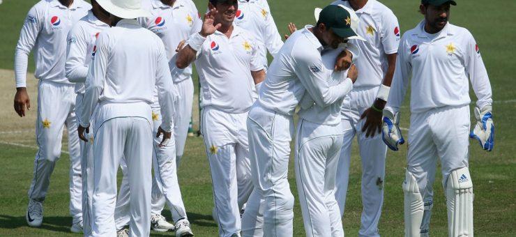 پاکستان نے ابوظہبی ٹیسٹ میں آسٹریلیا کو شکست دیکر سیریز0-1 سے جیت لی