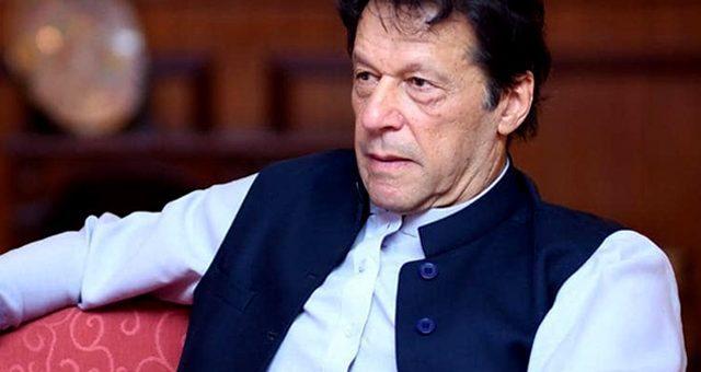امیدوں کا بوجھ لئے وزیراعظم عمران خان متحدہ امارات پہنچ گئے