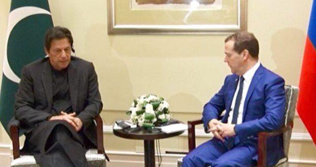 عمران خان کی شنگھائی میں روسی وزیراعظم سے ملاقات