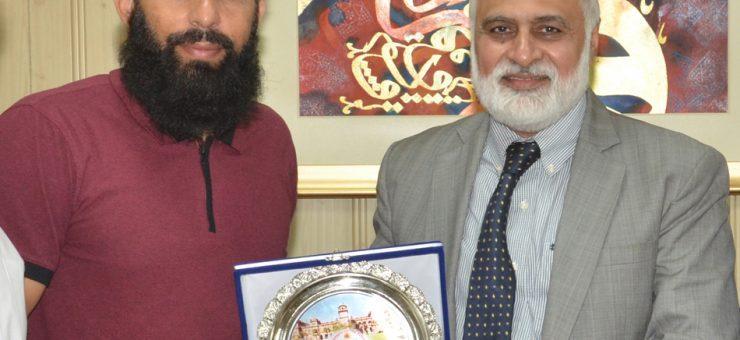 سابق کپتان قومی کرکٹ ٹیم مصباح الحق کا پنجاب یونیورسٹی کا دورہ