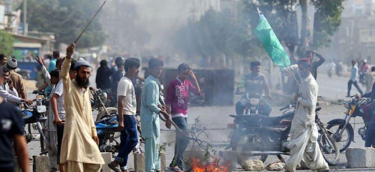 احتجاج کے دوران دنگے کرنے والوں کے خلاف حکومت ایکشن میں، سینکڑوں گرفتار