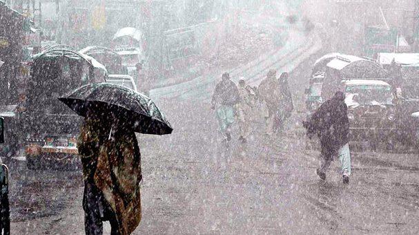 دسمبر کی پہلی بارش سے پورےملک میں سردی کی شدید لہر، مری میں برفباری