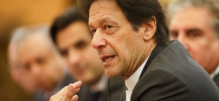 پاکستان سے محبت کے دعویدار سیاستدان بیرون ملک جانے کیلئے بے چین کیوں ہیں؟ وزیراعظم عمران خان