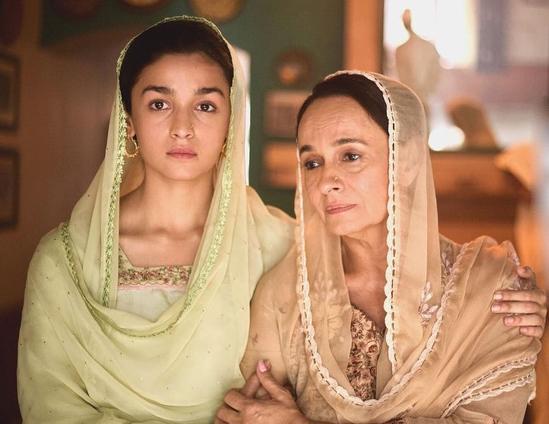 """پاکستان شفٹ ہو گئی تو وہاں زیادہ خوش رہوں گی، معروف بھارتی اداکارہ """"دیش دروہی """" کا خطاب ملنے پر پھٹ پڑیں"""