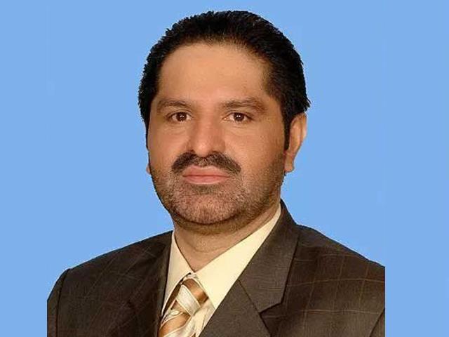 کراچی : تحریک انصاف کے وفاقی وزیر علی محمد مہر حملے میں زخمی