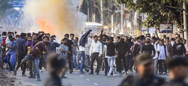 متنازع شہریت بل کیخلاف بھارت میں احتجاج جاری، تین ہلاک