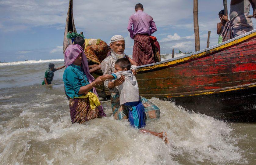 روہینگیا مہاجرین کی کشتی الٹ گئی ، 14 افراد ہلاک