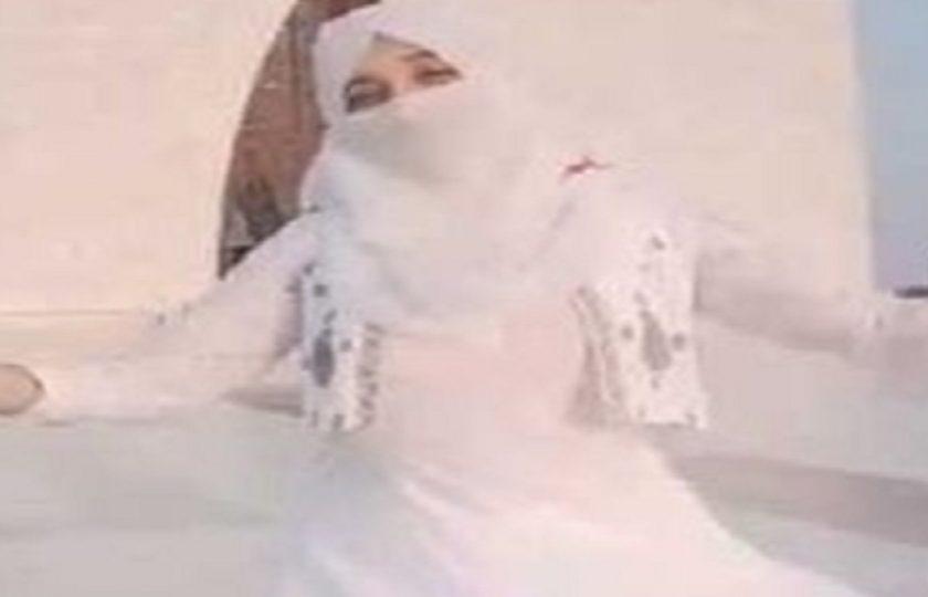 مزار قائد پر نقاب پوش لڑکی کا رقص ،سوشل میڈیا صارفین سراپا احتجاج