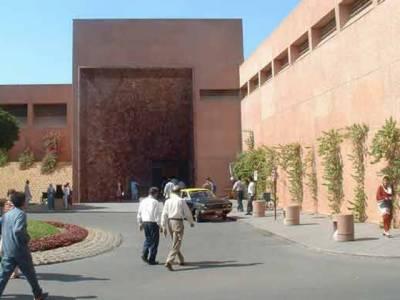 کراچی کے دو نجی ہسپتالوں کے چار ڈاکٹرز میں کرونا وائرس کی تصدیق