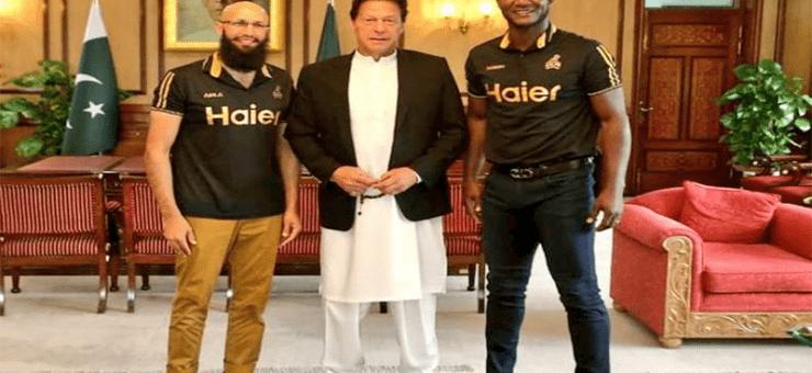 عمران خان کی ڈیرن سیمی اور ہاشم آملہ سے ملاقات، پاکستان میں انٹرنیشنل کرکٹ میں واپسی کے لئے کردار کی تعریف
