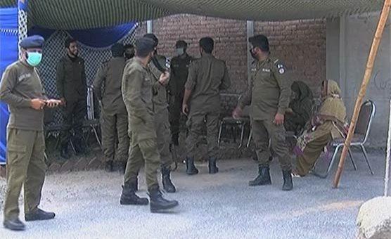 نسوار، چرس، شراب لا کر دو، فیصل آباد قرنطینہ کی ویڈیو وائرل