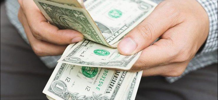 ڈالر 161 روپے 60 پیسے سے 165 روپے پر پہنچ گیا